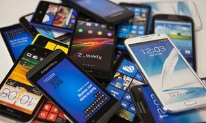 Có nên mua điện thoại, máy tính trả góp?