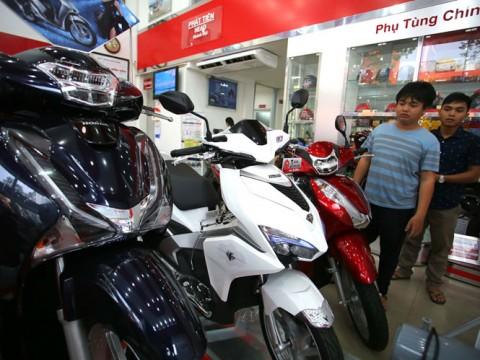 Bảng giá xe máy Honda mới nhất: Xe máy 'đội giá' cả chục triệu đồng