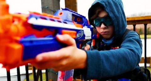 Những loại đồ chơi sát thủ, cha mẹ nuông chiều cũng tuyệt đối không mua cho con