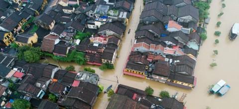 Tin mới nhất về bão số 4: Cảnh báo Hà Nội sẽ chìm trong biển nước do bão số 4