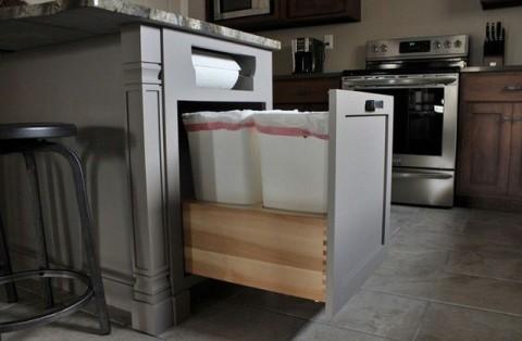 Thùng rác đơn trong bếp đã lạc hậu rồi, giờ thùng rác đa năng, tiết kiệm diện tích mới là chuẩn