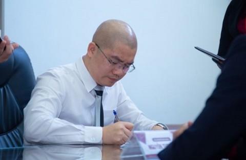 Con đường từ môi giới nhà đất đến CEO lừa đảo của ông chủ Alibaba