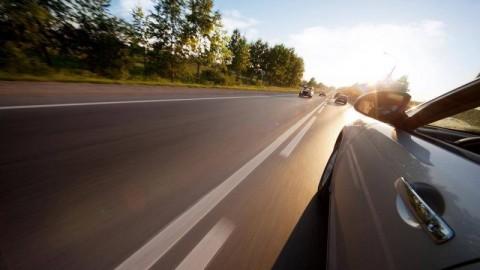 Những sai lầm vô cùng nguy hiểm khi lái ô tô số tự động nhiều tài xế mắc