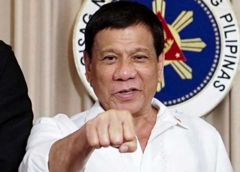 Mong muốn thử vaccine của Nga, nhưng Tổng thống Philippines sớm bị loại