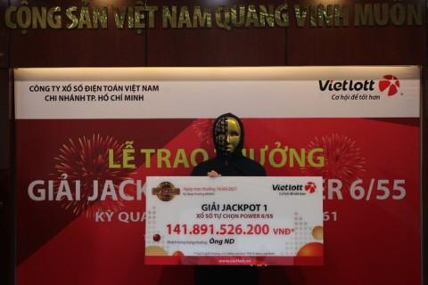 Người trúng Vietlott 141,8 tỉ đồng là nhân viên văn phòng ở TP HCM