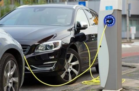 Ô tô điện có 'sạch' hơn xe xăng?