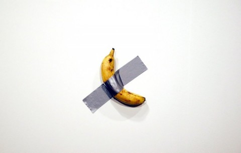 Công chúng 'sốc' khi tấm bảng trắng giá 2 tỷ đồng, trái chuối giá 9 tỷ đồng