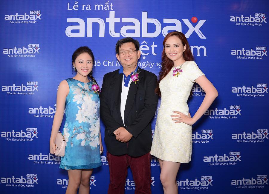 Văn Mai Hương và Diễm Hương tham dự lễ Ra mắt sữa tắm kháng khuẩn và bảo vệ da Antabax