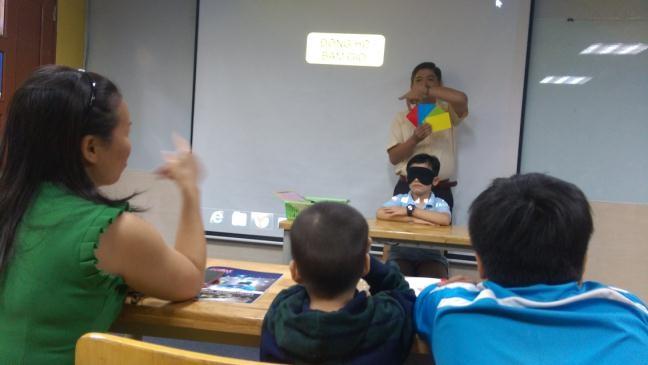 'Chương trình kích hoạt não giữa cho trẻ: Kinh doanh... sự kỳ vọng?