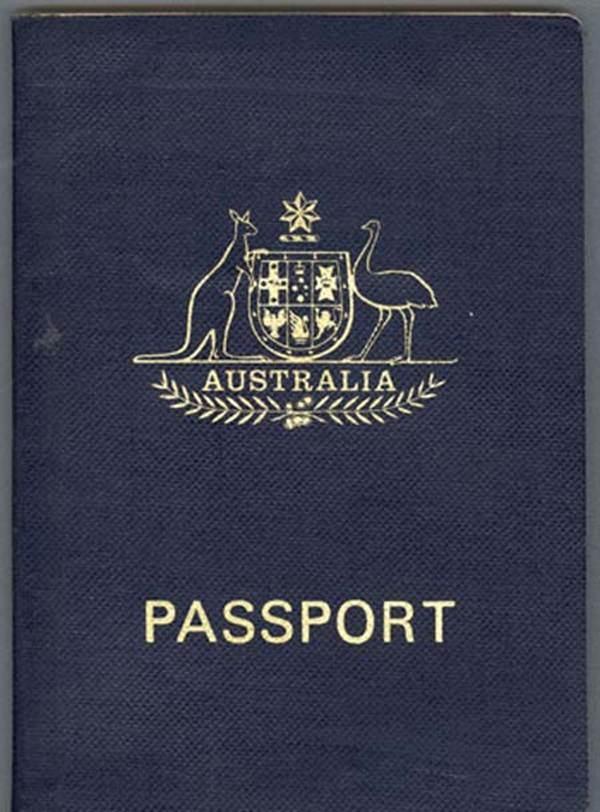 Hộ chiếu trên thế giới chỉ có 4 gam màu này và đây là lý do