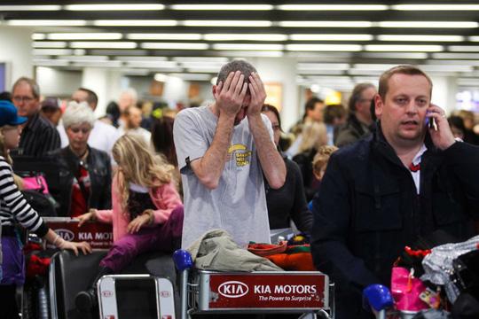 'Hành khách bị lôi khỏi máy bay Mỹ