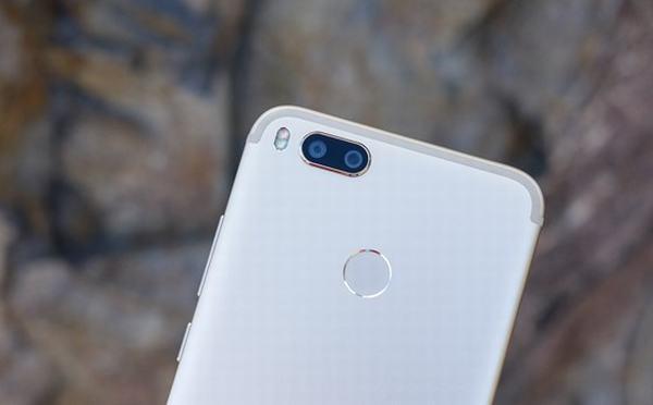 Chiếc smartphone 'gây bão' trong phân khúc tầm trung