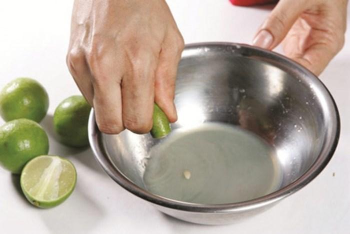 Mẹo hay giúp nàng dâu đảm chữa mặn cho món ăn