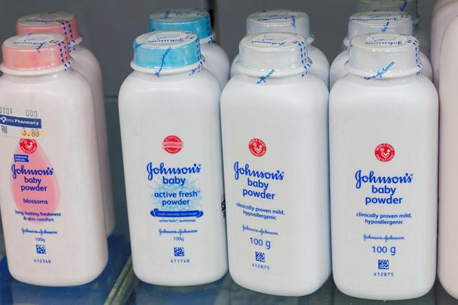 Thực hư sản phẩm phấn rôm Johnson & Johnson gây ung thư