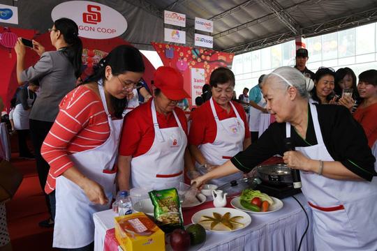1.000 gia đình cùng Saigon Co.op nấu bữa Tết ngon - Ảnh 2.