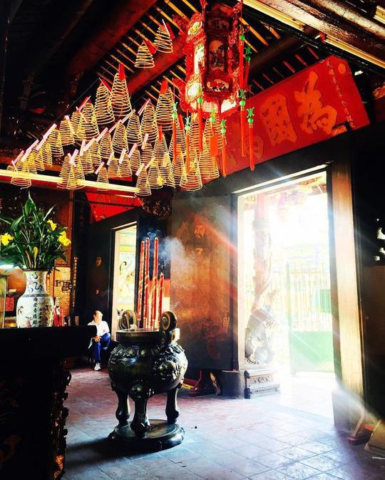 Lạc lối trong khu Chinatown đẹp mê mẩn giữa Sài Gòn - Ảnh 7.