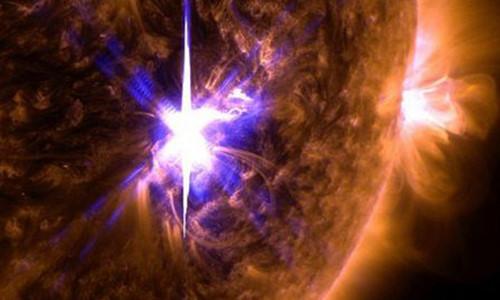 Mặt trời đang hoạt động mạnh cũng với nhiều hiện tượng bất thường khiến giới khoa học lo lắng. Ảnh minh họa