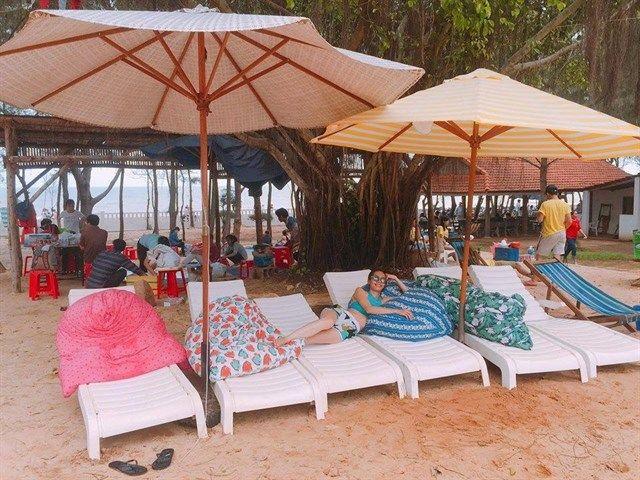Đến 4 điểm cắm trại bên bờ biển để có hình sống ảo đếm like