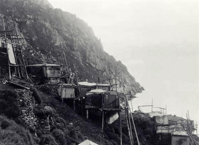 Ngôi làng của người Inuit bên hồ Anjikuni bỗng dưng biến mất không dấu vết. Ảnh: Khám phá