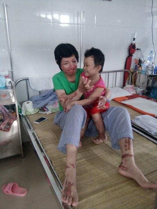 Chị Hoàng Thị Trang bảo rằng, bản thân học hỏi được từ Dung nhiều điều. Ảnh: Ngọc Thi