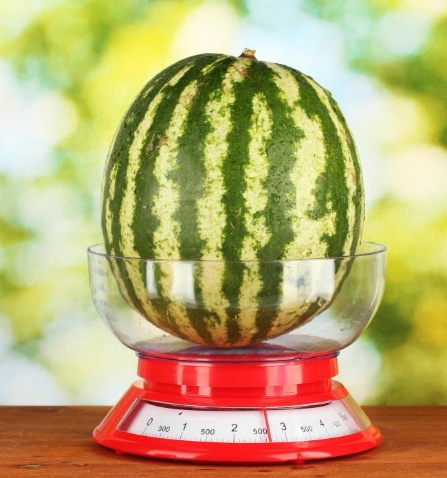 Cách chọn dưa hấu ngon nhất, ngọt, đỏ vỏ mỏng cho ngày hè nắng nóng