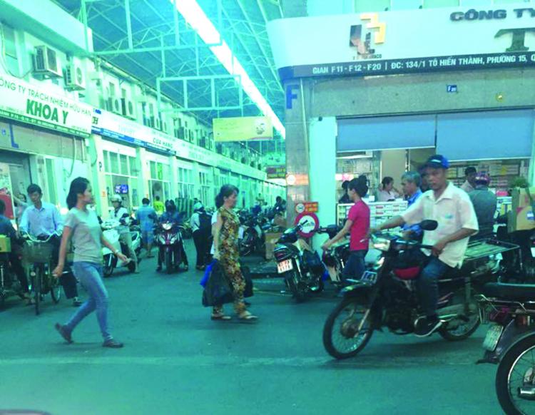 Đi mua thuốc tây ở chợ bán sỉ lớn nhất Sài Gòn