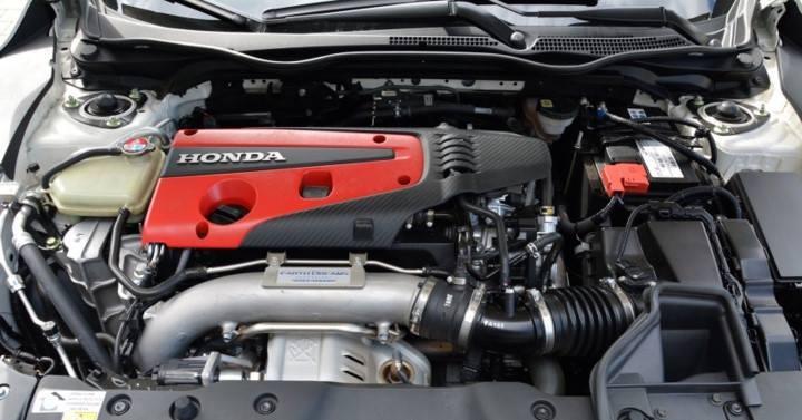 Mazda CX-5 và Honda CR-V: Người tiêu dùng sẽ chọn xe nào?