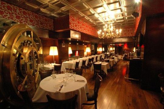 Những ý tưởng hút khách không nhờ đồ ăn của các nhà hàng