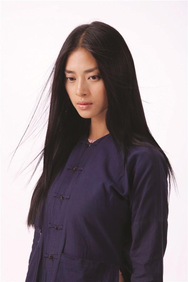 Ngô Thanh Vân lột xác hoàn toàn khi có cơ hội làm việc chung với nhà sản xuất Charlie Nguyễn