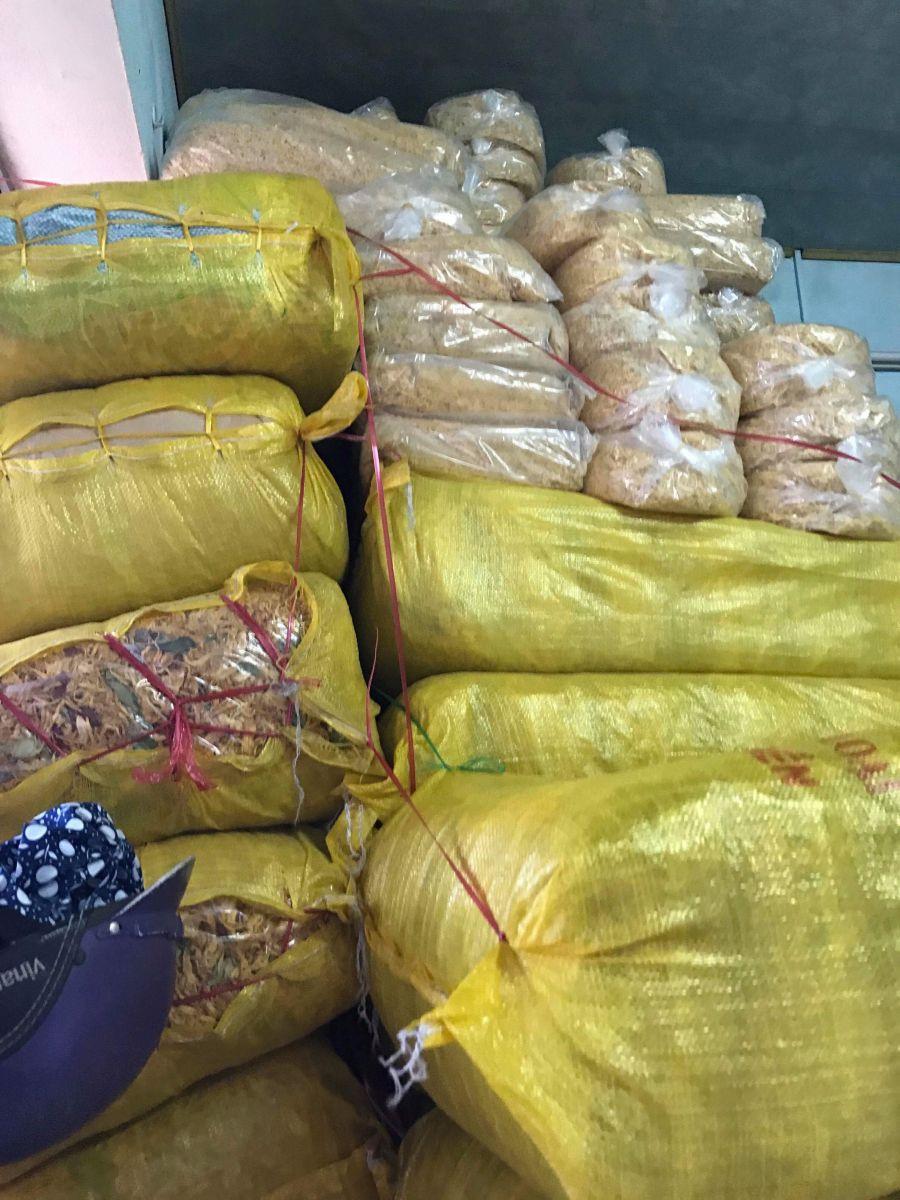 Bắt giữ hơn 3,7 tấn khô gà không có nguồn gốc xuất xứ