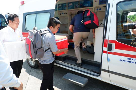 Lịch trình không trật 1 phút trái tim sống bay từ Hà Nội tới Huế ghép tạng - Ảnh 2.