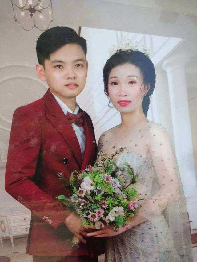 Hình ảnh về hai nhân vật chính trong đám cưới bị đồn chênh nhau 17 tuổi tại Hưng Yên
