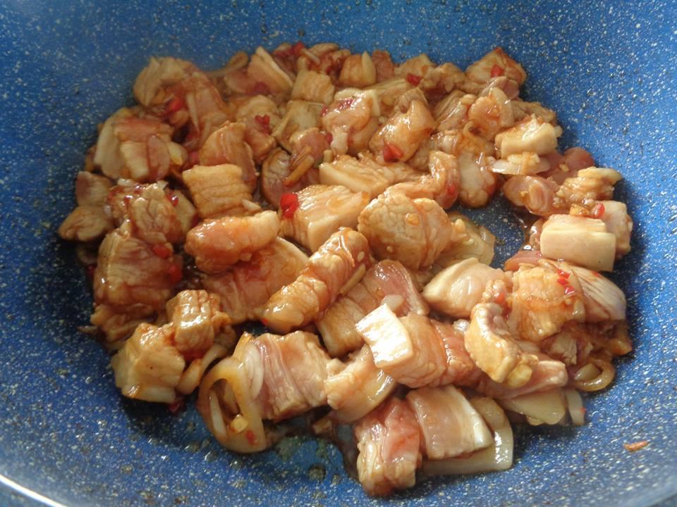 Cách làm món thịt ba chỉ xào cải chua cực kỳ hao cơm