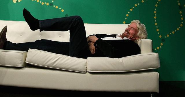 Nhiều người thành công đã gắn bó với thói quen thức dậy sớm buổi sáng. (Ảnh: Getty Images | Alex Wong)