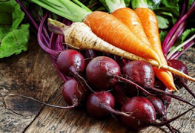 Củ cải và cà rốt là thực phẩm hữu hiệu để cải thiện gan. Ảnh: Internet