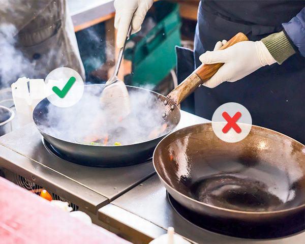 10 lỗi bếp núc khiến công sức nấu nướng của chị em đổ sông đổ bể trong chớp mắt
