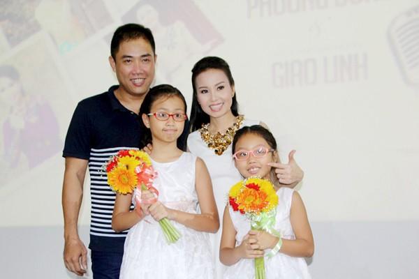 Gia đình hạnh phúc của Cẩm Ly.