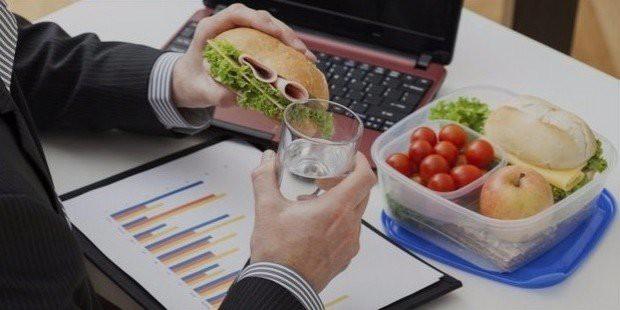 6 thói quen ăn uống dễ gây đau dạ dày