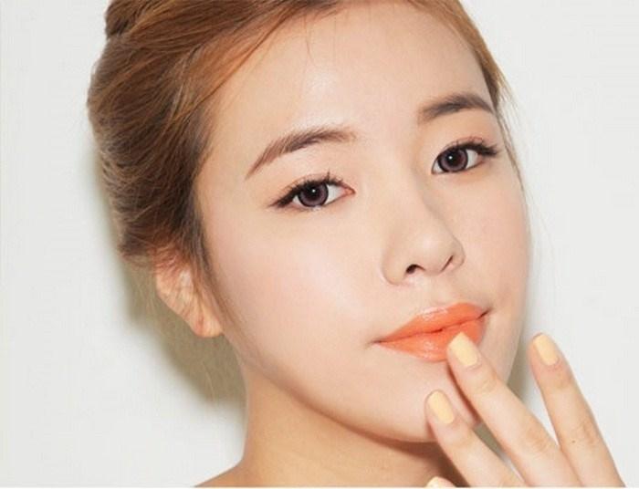 Đánh son lòng môi chuẩn chỉ như hot girl Hàn với những bí quyết sau