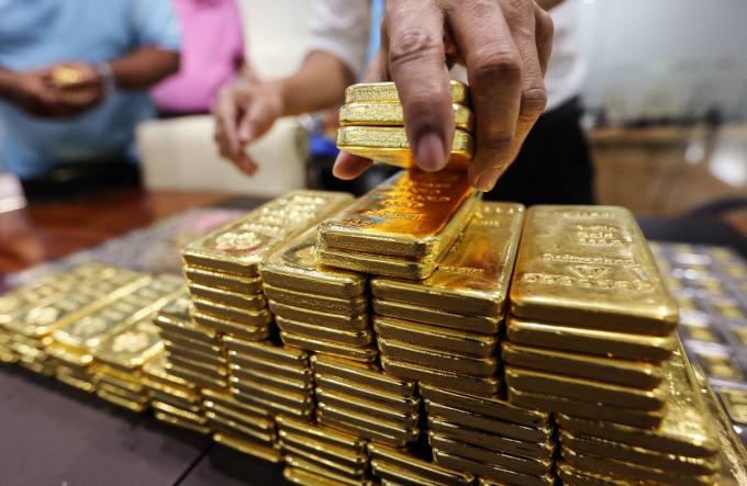 Giá vàng hôm nay 10/8: Vàng tăng nhẹ
