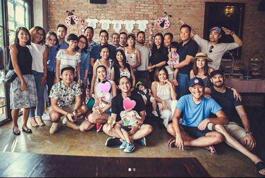 Lộ ảnh cận cảnh hiếm hoi của hai con cưng nhà Tăng Thanh Hà - Louis Nguyễn