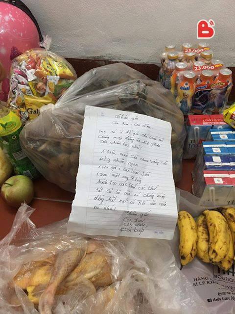 Mẹ chồng gửi đồ ăn kèm theo mảnh giấy nhắc khiến con dâu 'không thốt nên lời'