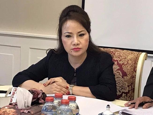 3 con gái bà Chu Thị Bình vừa chi hàng trăm tỷ đồng gom loạt cổ phiếu