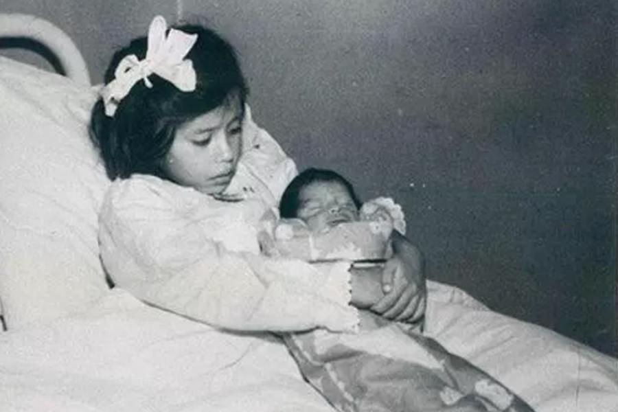 Ca sinh con chấn động thế giới: người mẹ mới 5 tuổi