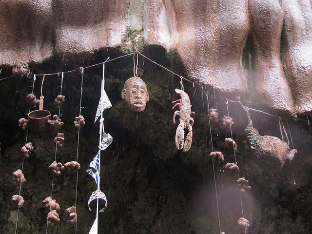 Giếng hóa đá ở Anh, điểm đến kỳ lạ khiến nhiều người đổ xô tìm đến