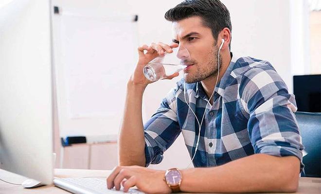 Uống nước khi bụng rỗng: Cơ thể nhận được 7 lợi ích