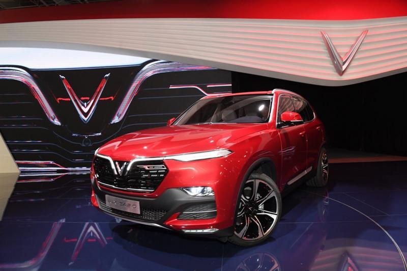 Ảnh thực tế nội thất sang trọng 2 mẫu xe của VinFast tại Paris Motor Show 2018