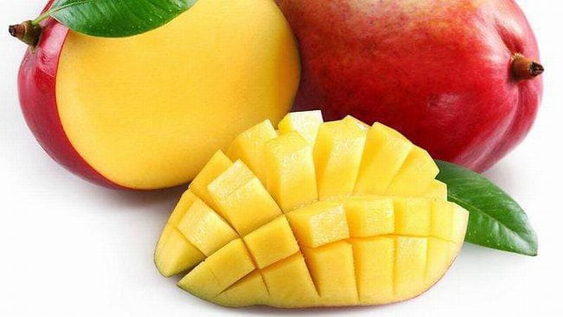 Trái cây được làm sạch trước khi chuyển vào các cửa hàng cũng như đem đi xuất khẩu.