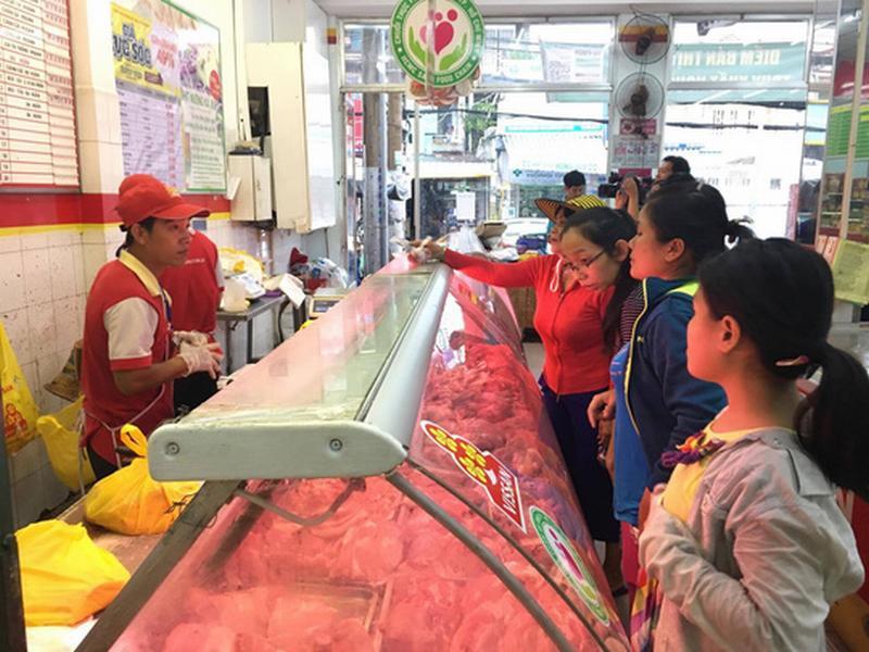 Giá thịt heo bình ổn tăng tới 7.000 đồng/kg