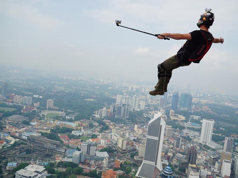 Hai nơi nguy hiểm nhất có thể làm bạn mất mạng khi chụp ảnh tự sướng hãy tránh xa
